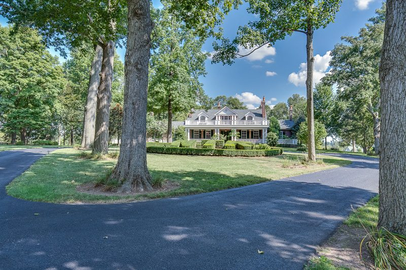 The Residence Stonewall Farm Versailles Kentucky